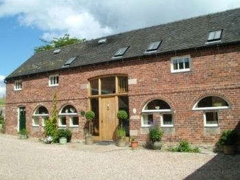 luxury self-catering cottages derbyshire peak district dining room