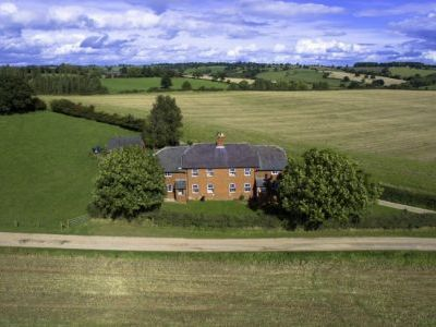 self-catering herefordshire cottages sleep 10