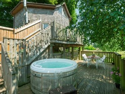 Fantastic self-catering tree house for a unique holiday