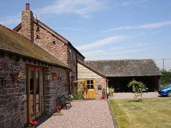 large self-catering house to rent in herefordshire
