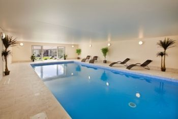 Cottage with a private pool, perfect for swimming on holiday